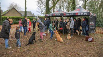 Hondenspeelveld Meijel geopend (Foto's)